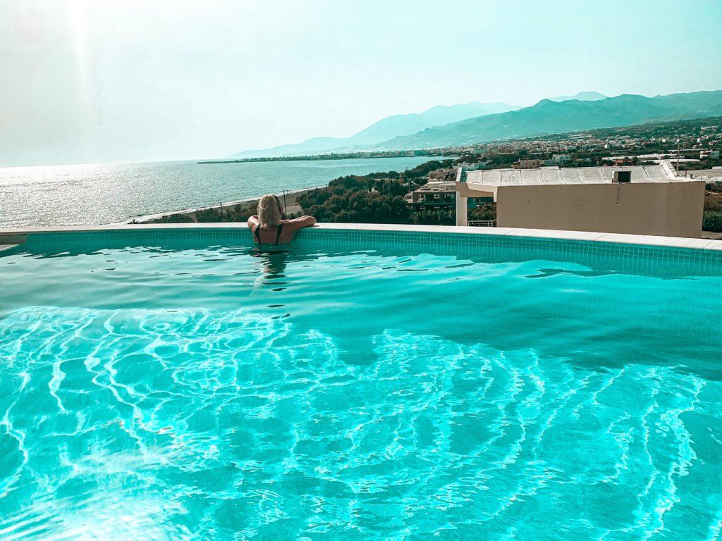 Pool Aussicht aufs Meer, Kreta
