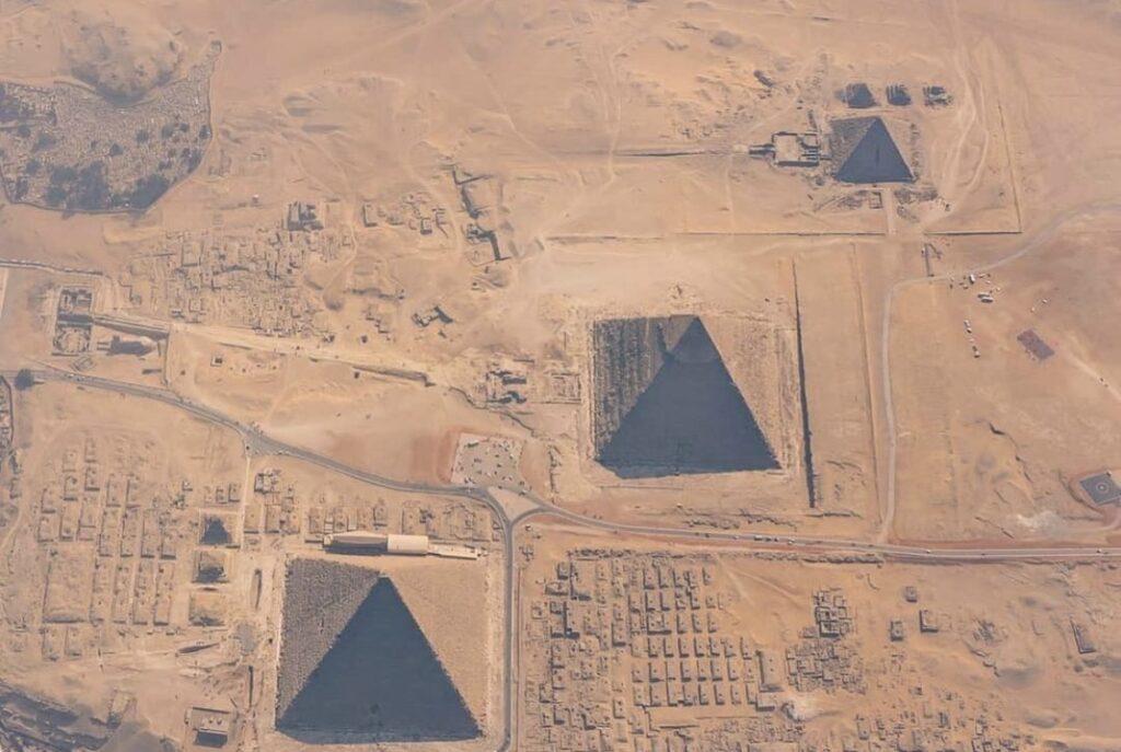 Pyramiden von Gizeh von oben